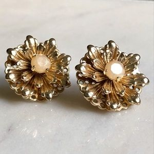 "Banana Republic ""Vintage Flower Earring"" in Ivory"